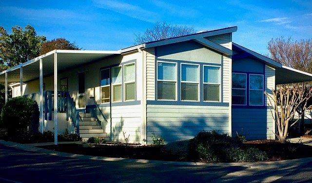 207 Northlake Drive, Folsom, CA 95630 (MLS #19080289) :: The Merlino Home Team