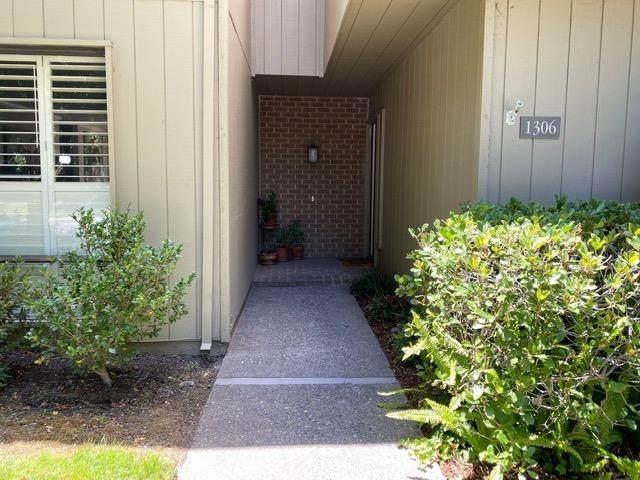 1306 Commons Drive, Sacramento, CA 95825 (MLS #20036838) :: The Merlino Home Team