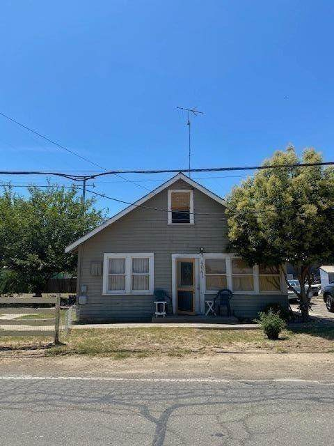 4041 Railroad Avenue, Yuba City, CA 95991 (MLS #20039396) :: The MacDonald Group at PMZ Real Estate