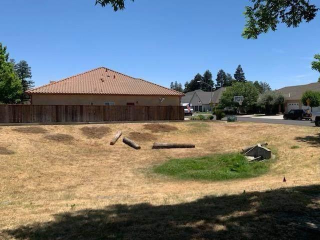 1201 Burman Drive, Turlock, CA 95382 (MLS #221058117) :: The MacDonald Group at PMZ Real Estate