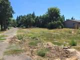 940 Ellendale - Photo 1