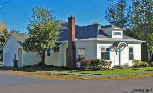 410 S Park St, Carlton, OR 97111 (MLS #726996) :: HomeSmart Realty Group