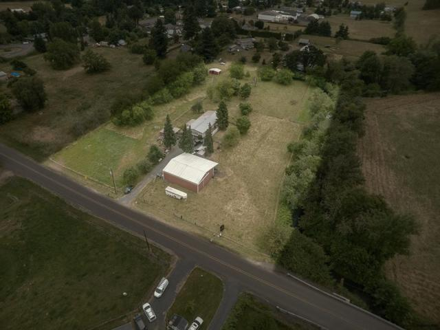 38260 Courtney Creek Dr, Brownsville, OR 97327 (MLS #728181) :: Gregory Home Team