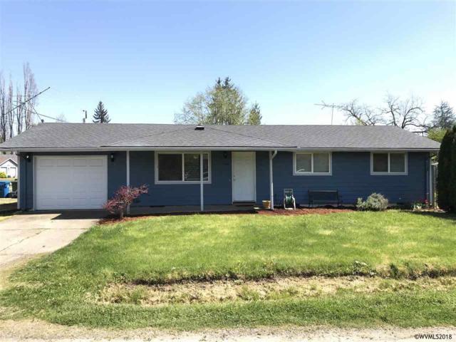 1302 Elm St, Silverton, OR 97381 (MLS #732319) :: HomeSmart Realty Group