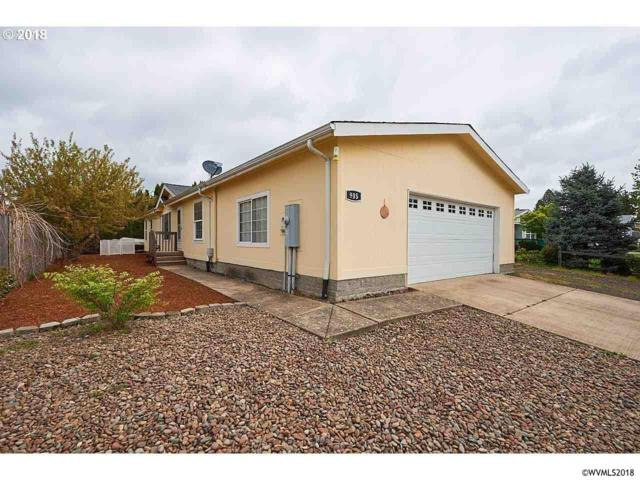 905 NE Hide Away Dr, Mcminnville, OR 97128 (MLS #732772) :: Gregory Home Team