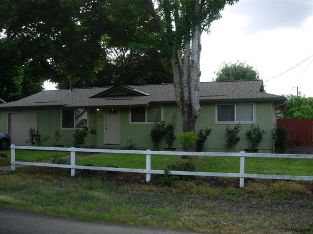 860 SE Cedar St, Dundee, OR 97115 (MLS #734049) :: HomeSmart Realty Group