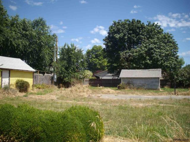 439 N Log Cabin, Independence, OR 97351 (MLS #735693) :: Sue Long Realty Group