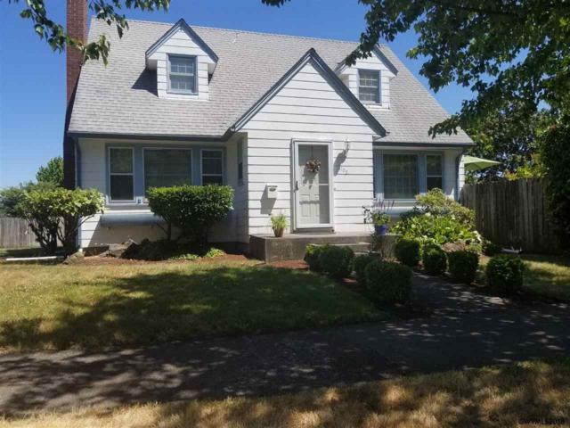 1105 Ferry St SW, Albany, OR 97321 (MLS #736936) :: HomeSmart Realty Group