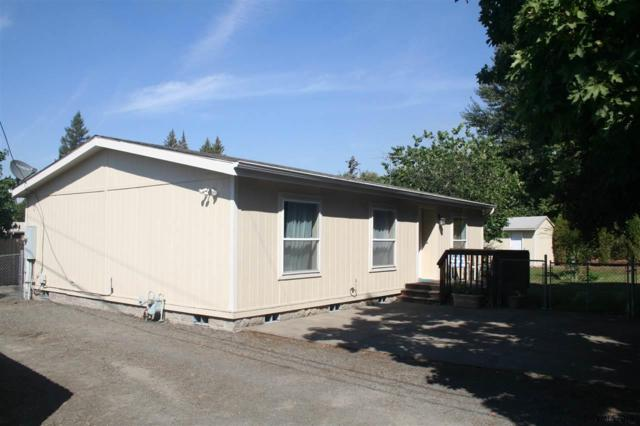 425 B St, Silverton, OR 97381 (MLS #738705) :: HomeSmart Realty Group