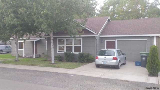2427 G St, Hubbard, OR 97032 (MLS #739806) :: HomeSmart Realty Group