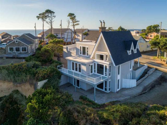 220 NW Sunset St, Depoe Bay, OR 97341 (MLS #740927) :: HomeSmart Realty Group