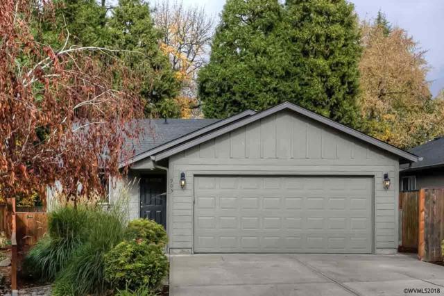 905 Creek Ct NW, Salem, OR 97304 (MLS #741340) :: HomeSmart Realty Group