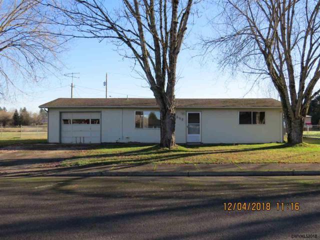 640 N 4th St, Aumsville, OR 97325 (MLS #742445) :: HomeSmart Realty Group