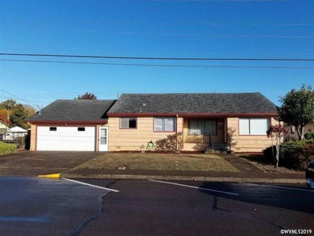 1052 SE Ash St, Dallas, OR 97338 (MLS #744865) :: HomeSmart Realty Group
