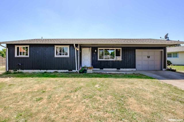 1640 Airway Pl, Lebanon, OR 97355 (MLS #745640) :: The Beem Team - Keller Williams Realty Mid-Willamette