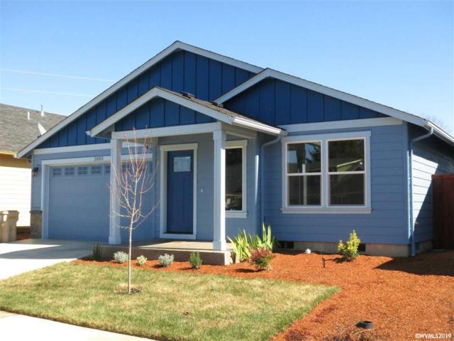 2050 SE Thomas Ct, Dallas, OR 97338 (MLS #746015) :: HomeSmart Realty Group