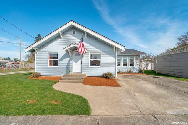 271 S 3rd St, Lebanon, OR 97355 (MLS #746084) :: Gregory Home Team