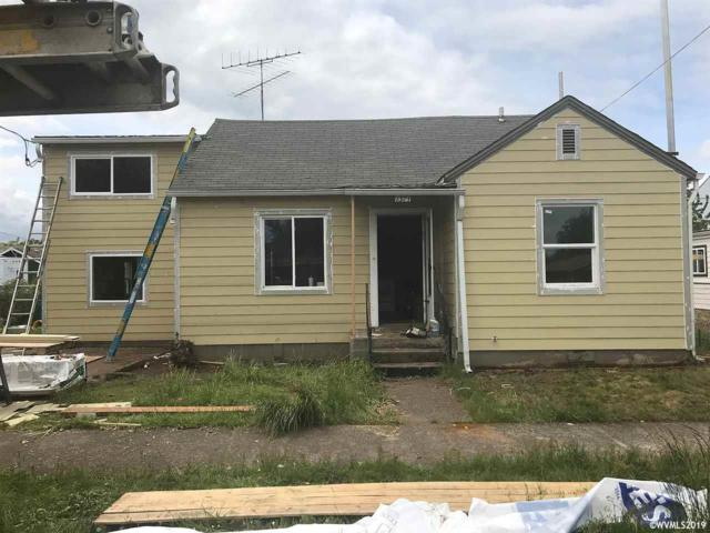 1371 Main St, Dallas, OR 97338 (MLS #749355) :: Hildebrand Real Estate Group