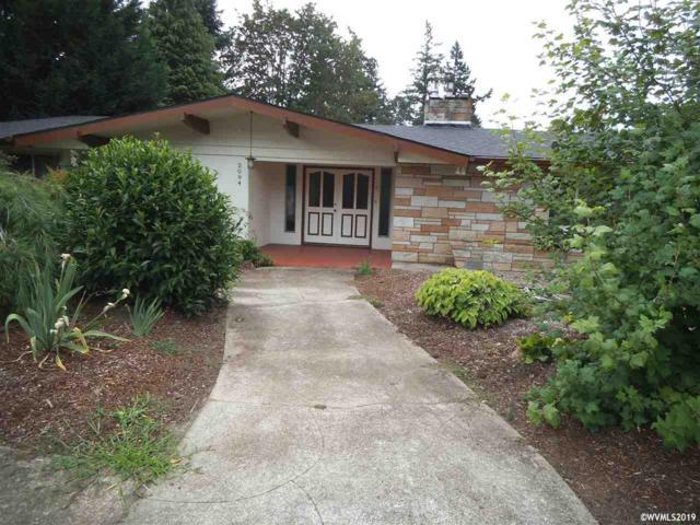 2094 Lowen St NW, Salem, OR 97304 (MLS #752202) :: Hildebrand Real Estate Group