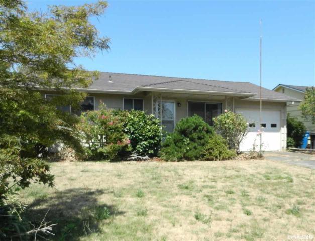 1625 Rainier Rd, Woodburn, OR 97303 (MLS #753054) :: Sue Long Realty Group