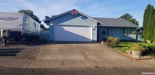 648 SW Natalie St, Dallas, OR 97338 (MLS #755079) :: Gregory Home Team