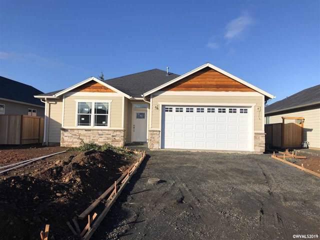 451 SW Oregon Falls Dr, Dallas, OR 97338 (MLS #756461) :: Hildebrand Real Estate Group