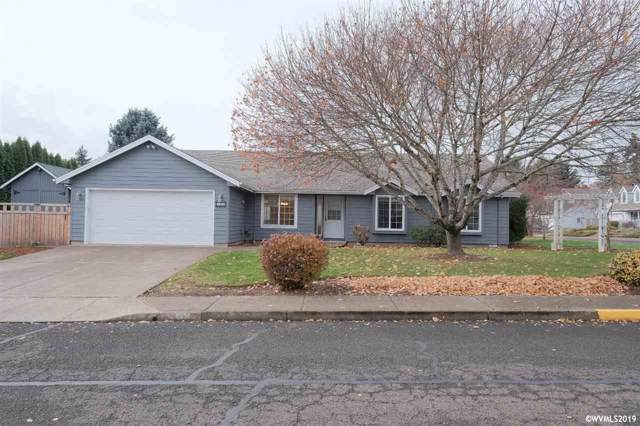 317 NW Hillcrest St, Dallas, OR 97338 (MLS #757473) :: Gregory Home Team