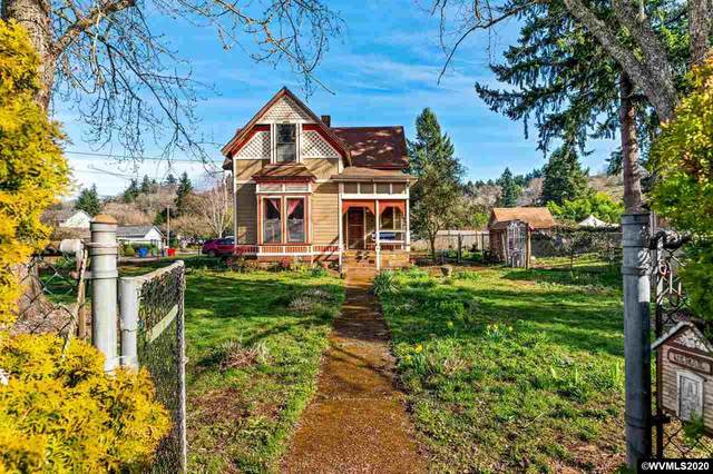 705 S Water St, Silverton, OR 97381 (MLS #759831) :: Gregory Home Team