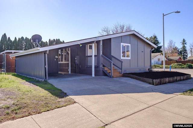 802 NE Hide Away Dr, Mcminnville, OR 97128 (MLS #760401) :: Sue Long Realty Group
