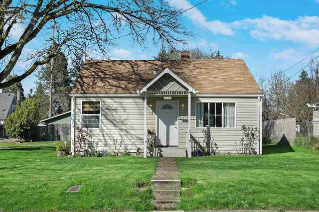 1827 17th Av SW, Albany, OR 97321 (MLS #761524) :: Gregory Home Team