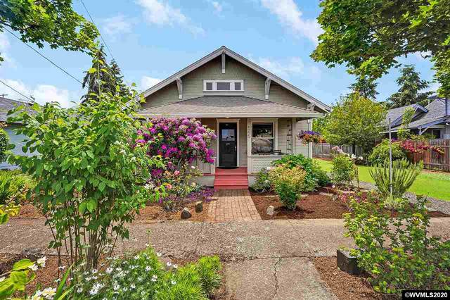 565 SE Clay St, Dallas, OR 97338 (MLS #763331) :: Gregory Home Team