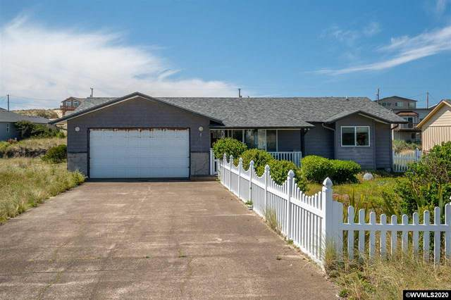 1937 NW Admiralty Cl, Waldport, OR 97394 (MLS #763420) :: Sue Long Realty Group