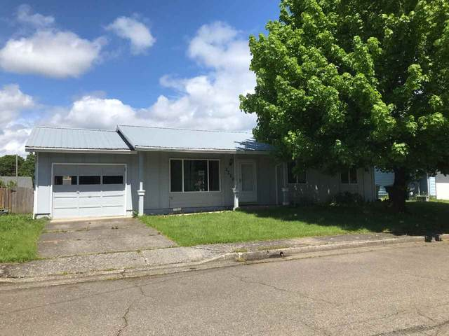 2210 Kalmia St, Sweet Home, OR 97386 (MLS #763610) :: Song Real Estate