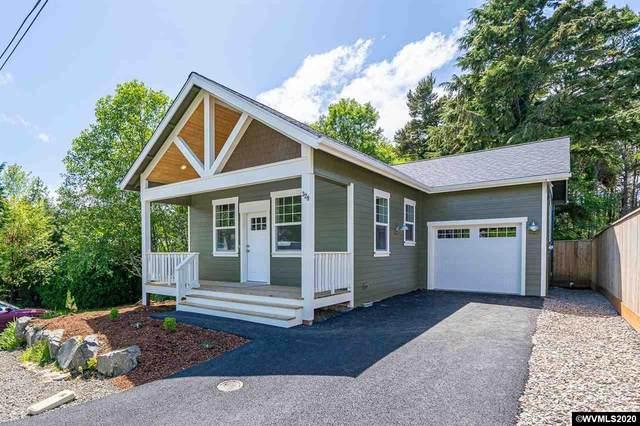329 SE Neptune Av, Lincoln City, OR 97367 (MLS #763981) :: Hildebrand Real Estate Group