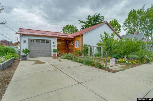 928 NW Cedar St, Mcminnville, OR 97128 (MLS #764091) :: Hildebrand Real Estate Group
