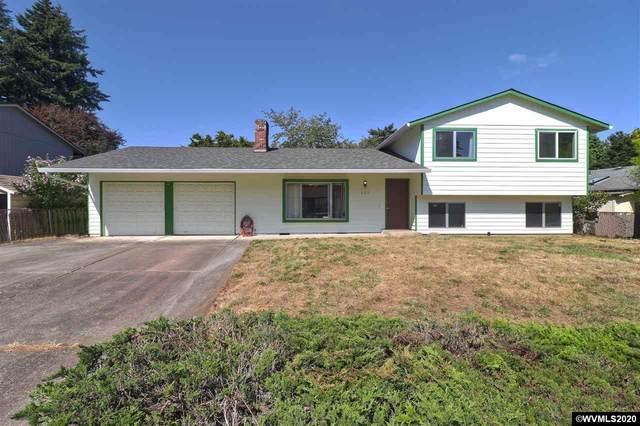 823 NE 199th Av, Portland, OR 97230 (MLS #767337) :: Gregory Home Team