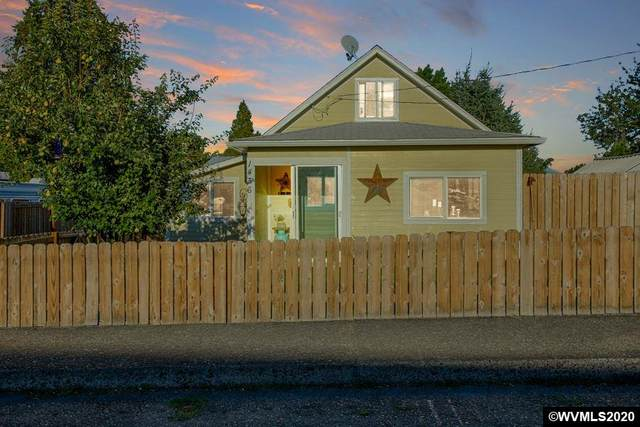 1436 SW 10th St, Dallas, OR 97338 (MLS #767745) :: Coho Realty