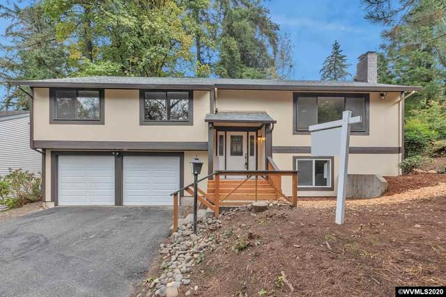 9722 SW Quail Post Rd, Portland, OR 97219 (MLS #770189) :: Sue Long Realty Group
