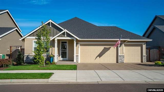 556 SE Cooper St, Dallas, OR 97338 (MLS #771076) :: Premiere Property Group LLC