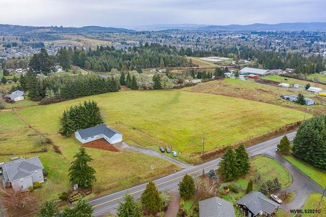 15305 Oakdale Rd, Dallas, OR 97338 (MLS #771077) :: Sue Long Realty Group
