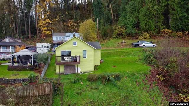 425 W E St, Rainier, OR 97048 (MLS #771250) :: Premiere Property Group LLC