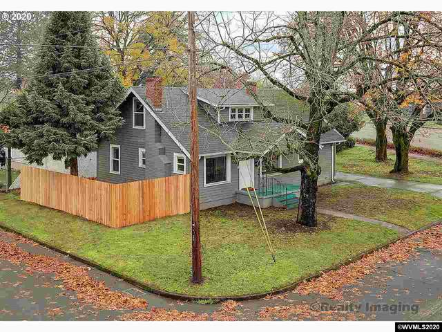 1110 23rd St SE, Salem, OR 97301 (MLS #771304) :: Sue Long Realty Group