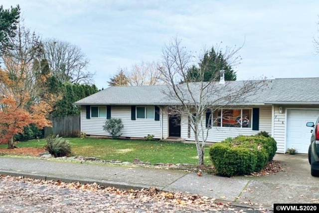 716 W Main St, Silverton, OR 97381 (MLS #771351) :: Song Real Estate