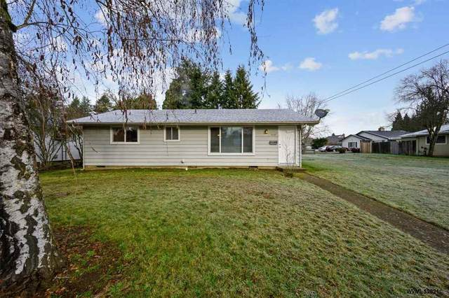 210 SW Cherry St, Dallas, OR 97338 (MLS #772710) :: Coho Realty
