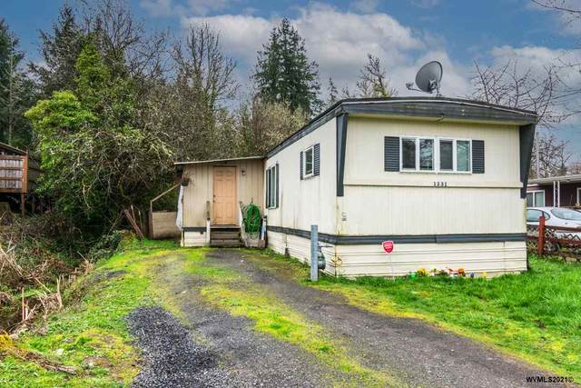 1331 Poplar St, Sweet Home, OR 97386 (MLS #774379) :: Song Real Estate