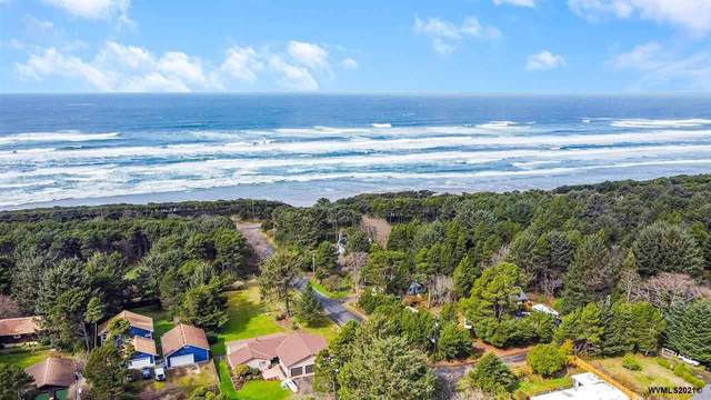 11854 SE Birch St, South Beach, OR 97366 (MLS #775146) :: Sue Long Realty Group