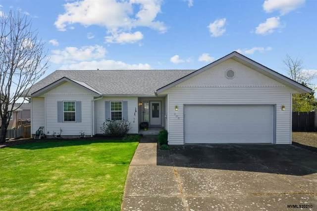 309 NE Fern Av, Dallas, OR 97338 (MLS #775487) :: Song Real Estate