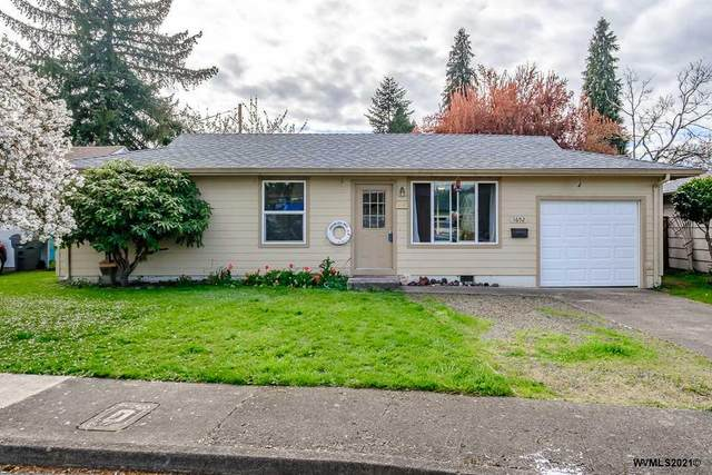1652 Cooper St, Lebanon, OR 97355 (MLS #775754) :: Song Real Estate