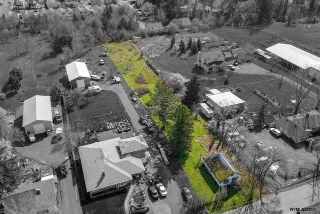 1308 NE Chehalem, Newberg, OR 97132 (MLS #775892) :: Song Real Estate
