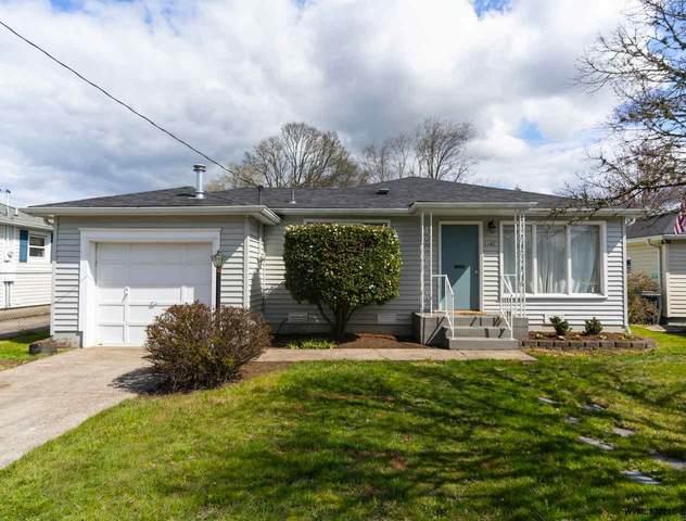 1142 23rd St NE, Salem, OR 97301 (MLS #775974) :: Song Real Estate